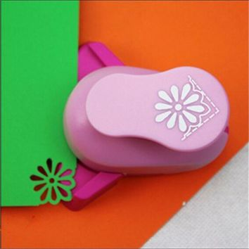 Free Shipping New Flower scrapbook paper cutter Paper Corner Punch diy craft punch hole punch furadores de papel S3005