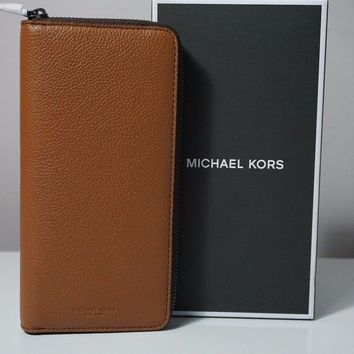 Michael Kors Men's Russel Leather Luggage Brown Tech Zip Around Wallet