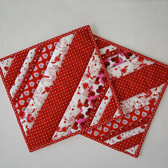 Quilted Scrappy Valentine Pot Holders From Dockside Designs