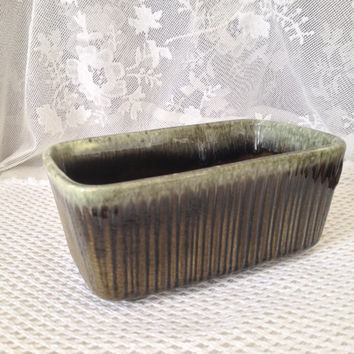 Hull Pottery Green Drip Planter, Olive, Seafoam Drip, Rectangular Ceramic Collectible, F467, Mid Century Decor, USA