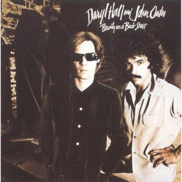 Hall and Oates - Beauty On A Back Street
