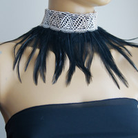 Goth Raven Feather Choker /  Burlesque Feather,  black Feather Collar Gothic Steampunk Burlesque Shooting victorian lace,