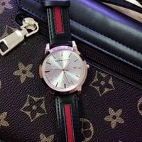 8DESS Burberry Woman Men Fashion Quartz Movement Wristwatch Watch