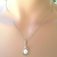 Infinity Love Peal necklace