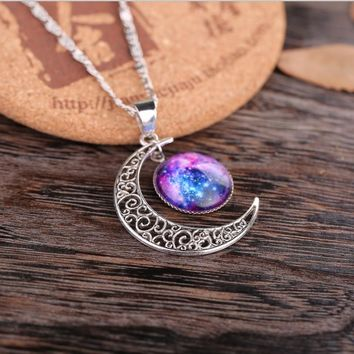 Fashion Jewelry Hollow Moon Round Glass Galaxy Nebula Space Cabochon Lovely Pendant Necklace Silver Chain Friend Best Gifts