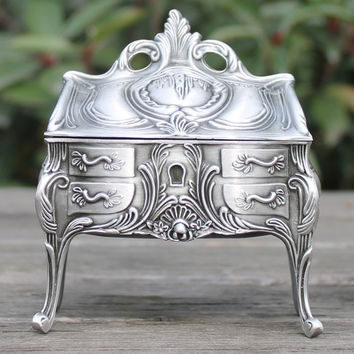 2016 New arrival vintage metal jewelry box with delicate pattern/ Retro pewter plated trinket box/ gift box for wedding