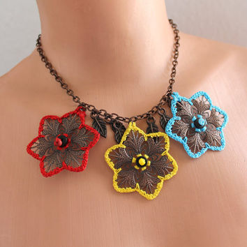 Filigree Flowers Necklace