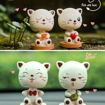 Resin Cute Cat Shaking Head Car Ornaments Auto Interior Decorations Cat Toy Dolls Dashboard Ornament Creative Gift Accessories