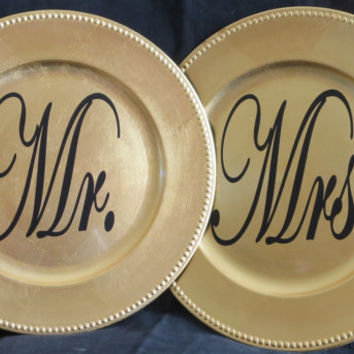 Wedding Chargers, Wedding Decor, Mr and Mrs Plates, Wedding Table Decor, Mrs Mr Decor, Black Gold Wedding Charger, Bride and Groom Decor 142
