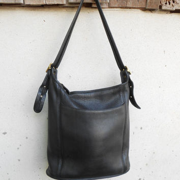 Vintage Leather Bag COAHC No. J9C-9060 Black Leather Bag , Shoulder Bag / Medium / Authentic / Gift for Her