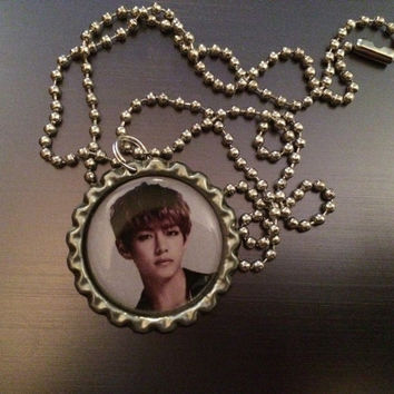 V BTS Kpop group face bottlecap necklace