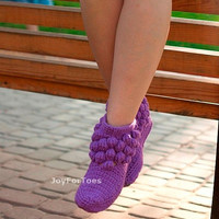 Crochet Womens Slippers, Womens Crochet Slippers, Womens Slipper Boots, Womens Slipper Booties for the House One-colored Bubbles Liliac