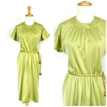 1970s  Chartreuse Dress / 70s dress / cocktail dress  / shift dress / short wedding dress  / summer fashion / mad men dress / small medium