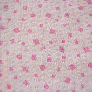 1970s Plisse Seersucker Fabric cute for doll dresses Pink and White Confetti Print yardage