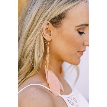 Ciao Feather Earrings - Coral