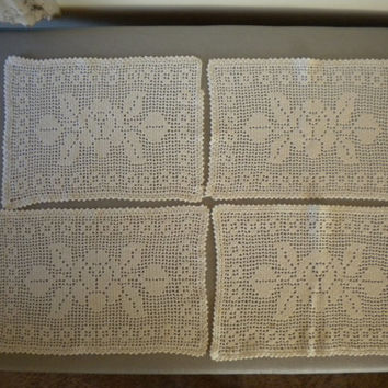 Vintage Crochet Doily off-white, floral crochet, rectangular lace doily, crocheted placemats lace, set of four doilies, crocheted table
