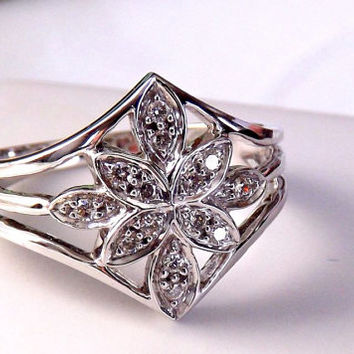 Diamond Engagement Ring. 10K Flower Cluster