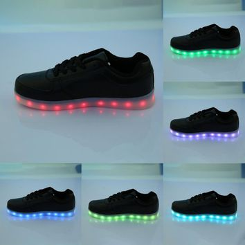 Brand LED Light Up Shoes Lovers Men Fashion LED Sneakers USB Charger Eye catching zapatos hombre Valentine's present