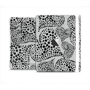 The Black and White Spotted Hearts Skin Set for the Apple iPad Mini 4