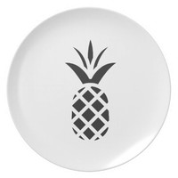 Black Pine Apple Plate