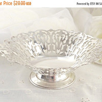FALL SALE Silver Plate Trinket Dish, Silver Plated Pedestal Dish, Jewelry Dish, Boudoir Decor, French Farmhouse Decor