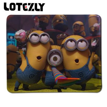 250*300*2mm Despicable Me Minions Best Game Custom Computer Mousepads Rubber Locking Edge Mouse Pad Gaming Speed Mice Play Mat