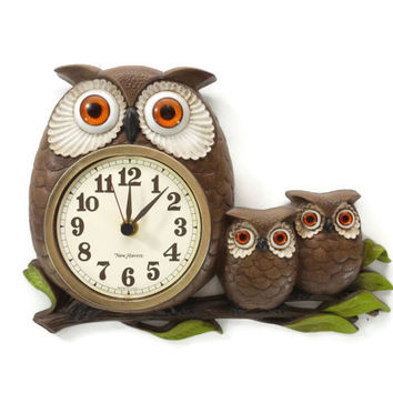 Vintage 1970's Owl Wall Clock, Burwood New Haven, Kitschy Kitchen, Momma Baby Animals, Kids Room, Owlets, Woodland Nursery Decor, Retro