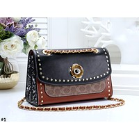 COACH 2019 new flip messenger bag chain rivet shoulder bag #1