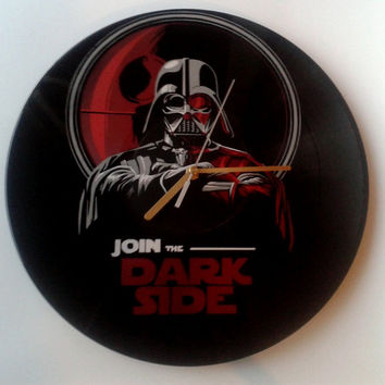 Star Wars vinyl record clock. Upcycled decoration, great gift idea. Handmade