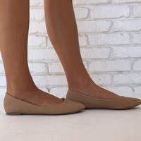 Classic Pointy Toe Slip On Flats in Tan