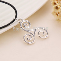 free shipping The new European and American film Teen Wolf pendant pendant with paragraph #3228 P1