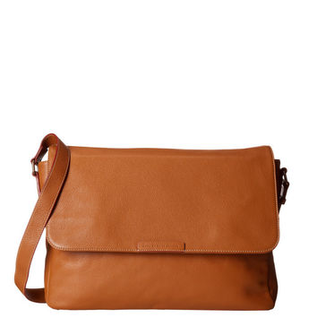 Classic Leather Messenger in Caramel