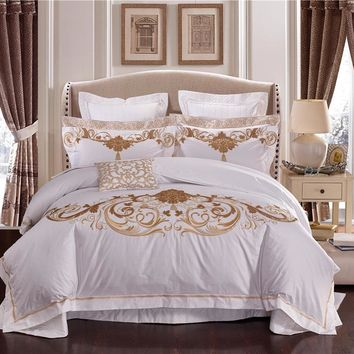 Luxury 100S Egyptian Cotton Queen King size Royal Bedding Sets Oriental Embroidery White Hotel Bed sheet Duvet cover set Pillow