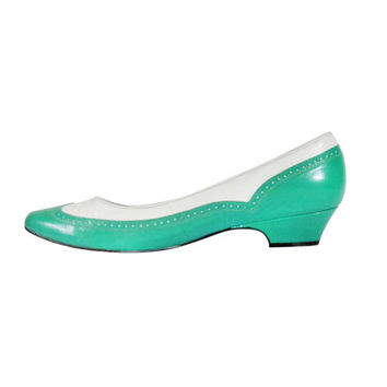 Women Spectator Heel Spectator Shoe Green Pump Green Shoe Two Tone Heel Women Size 7 Shoe Ladies Shoe Two Tone Shoe Slip On Low Heel Shoe
