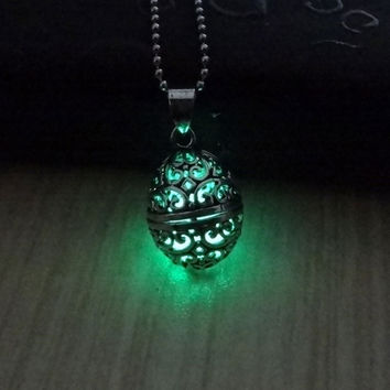 Steampunk Style Hollow Pendant Luminous Stone Necklace