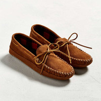 Minnetonka Double Bottom Fleece Slipper - Urban Outfitters