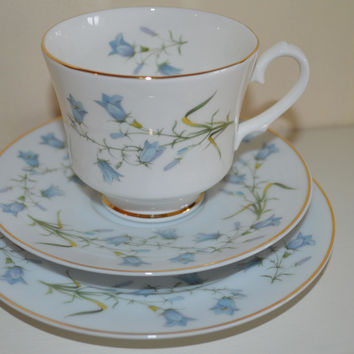 Pretty English china trios/Snowhite pattern/floral snowdrop design/Newcastle upon Tyne potteries/ships worldwide from UK