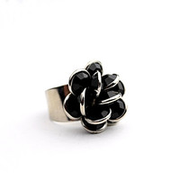 Vintage Black and Silver Tone Cocktail Ring - Cluster Flower