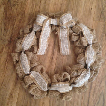 Rustic burlap wreath with lace