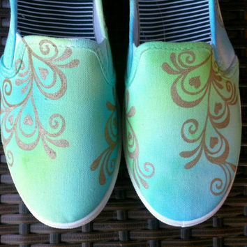 Womens Neon Henna Shoes - Size 7