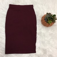 Basic Pencil Skirt: Burgundy