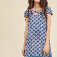 Shared Sentiment Shift Dress