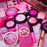 Glamtastic..Makeup and nails♥