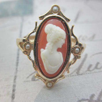 Vintage Avon Cameo Ring by AquarianMind74 on Etsy