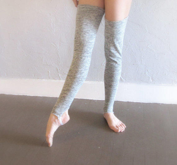 Knitting Pattern For Thigh High Leg Warmers : Ballet leg warmers -- Thigh high knit from PoikaTytto on Etsy