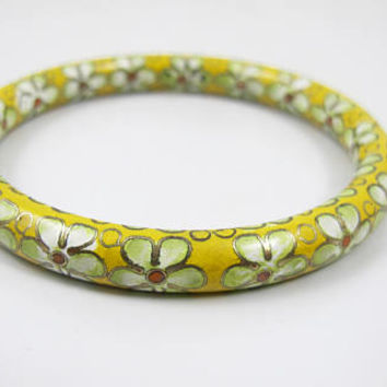 Chinese Export Jewelry. Enamel Cloisonne Bangle Bracelet. Yellow Enamel Daisy Flowers, 1940s Asian Jewelry