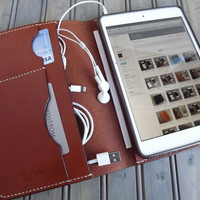 Personalized IPAD Mini Leather Portfolio door HarborLeatherGoods