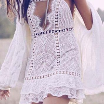 Streetstyle  Casual White Floral Lace Peplum Cut Out Short Sleeve Mini Dress