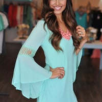MINT BELL SLEEVE TUNIC