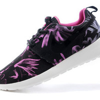 n066 - Nike Roshe Run (Floral Prints Purple/Black)